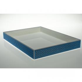 Bandeja para Bebidas Renus, na cor Branco com detalhe em espelho Azul medindo 25 x 35 x 3,5 centímetros